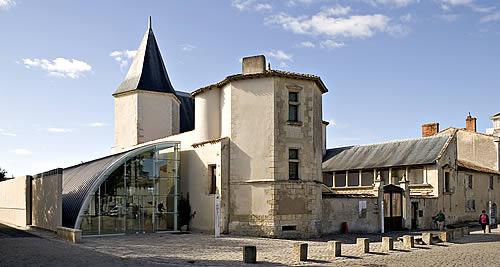 Musée Ernest Cognacq Camping Ile de Ré Camping Bois Plage en Ré Camping Les Pins Le Bois  # Location Mobil Home Ile De Ré Bois Plage